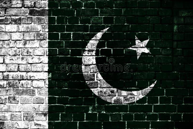 Bandeira nacional de Paquistão em um fundo do tijolo fotos de stock royalty free