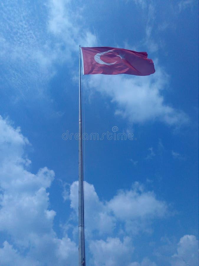 Bandeira no céu foto de stock