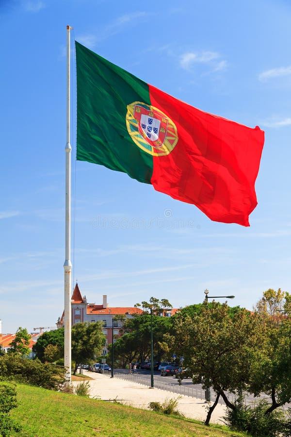 Bandeira portuguesa enorme foto de stock