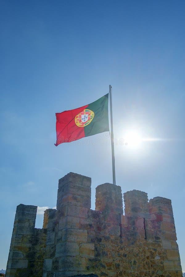 Bandeira portuguesa que flui acima foto de stock royalty free