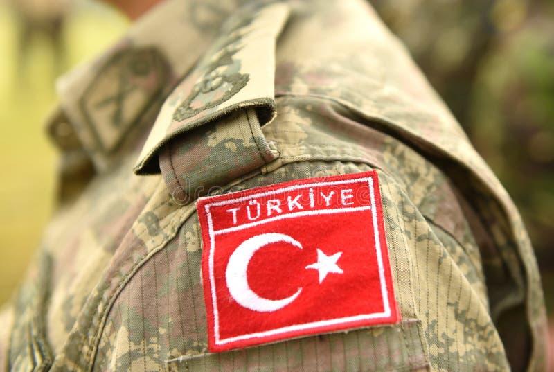 Bandeira turca no uniforme do exército de Turquia Tropas de Turquia fotografia de stock