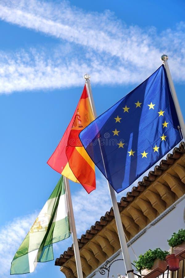 Bandeiras da câmara municipal de Marbella na cidade velha fotos de stock