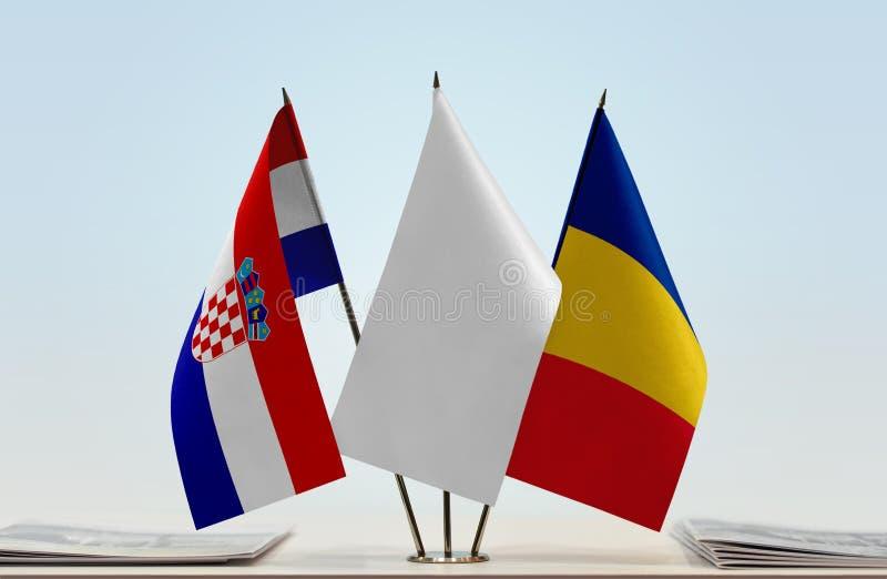 Bandeiras da Croácia e do Romênia foto de stock