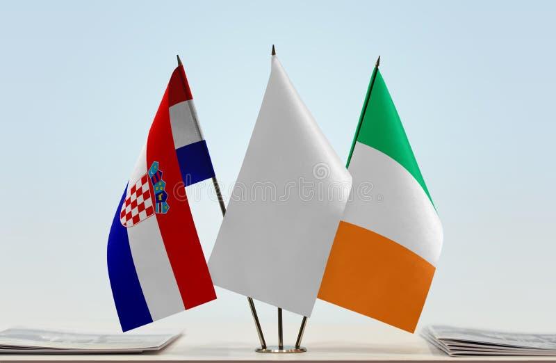 Bandeiras da Croácia e da Irlanda fotos de stock royalty free