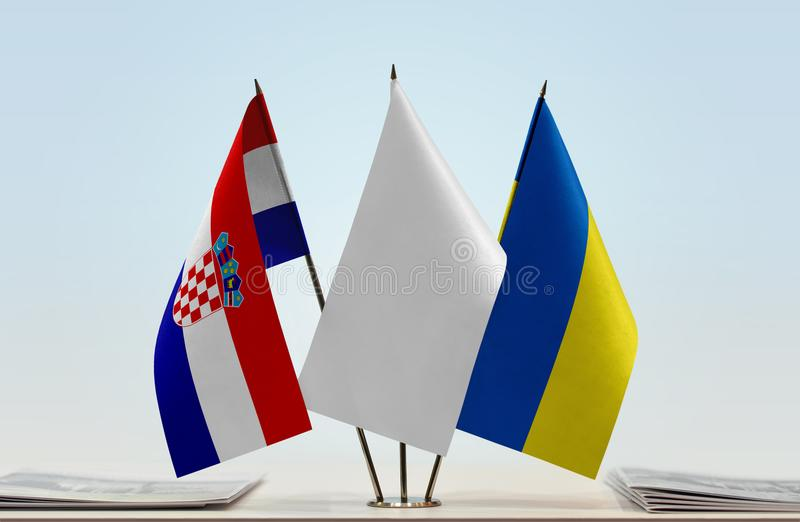 Bandeiras da Croácia e da Ucrânia fotos de stock