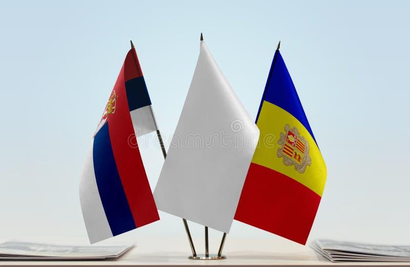 Bandeiras da Sérvia e do Andorra imagem de stock
