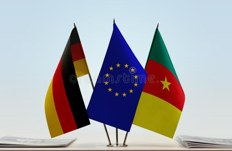 Bandeiras da UE de Alemanha e da República dos Camarões imagem de stock royalty free