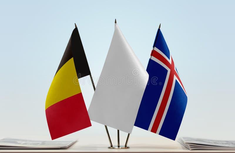 Bandeiras de Bélgica e de Islândia foto de stock