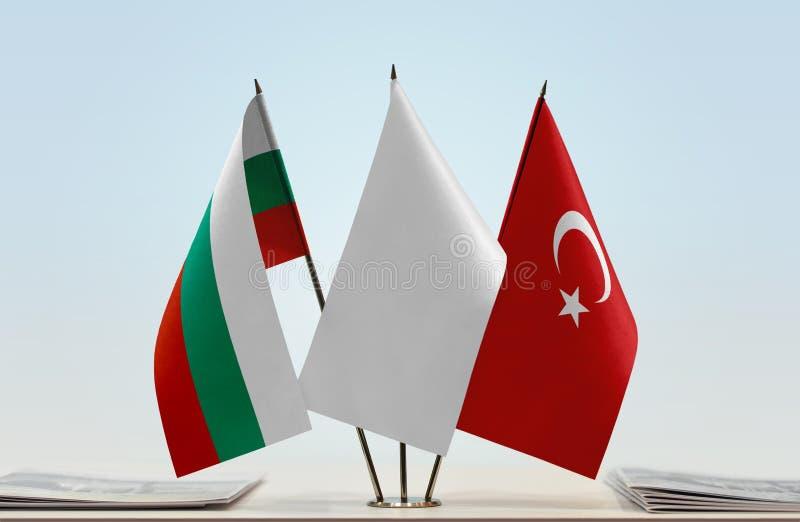 Bandeiras de Bulgária e de Turquia fotografia de stock royalty free
