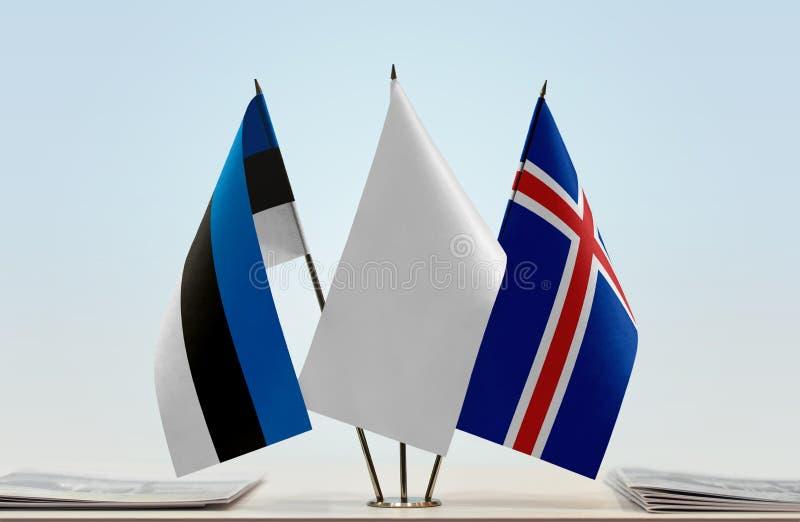 Bandeiras de Estônia e de Islândia fotografia de stock royalty free