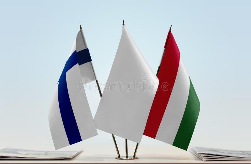 Bandeiras de Finlandia e de Hungria imagens de stock