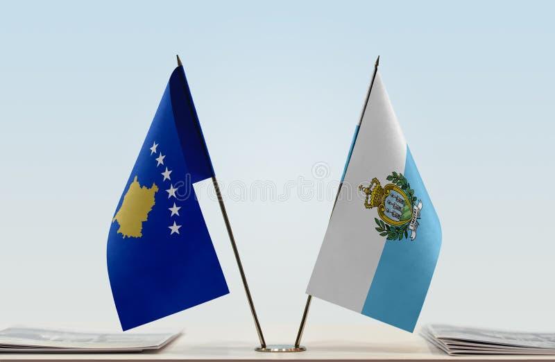 Bandeiras de Kosovo e de São Marino imagens de stock royalty free