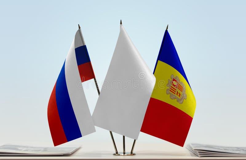 Bandeiras de Rússia e de Andorra foto de stock royalty free