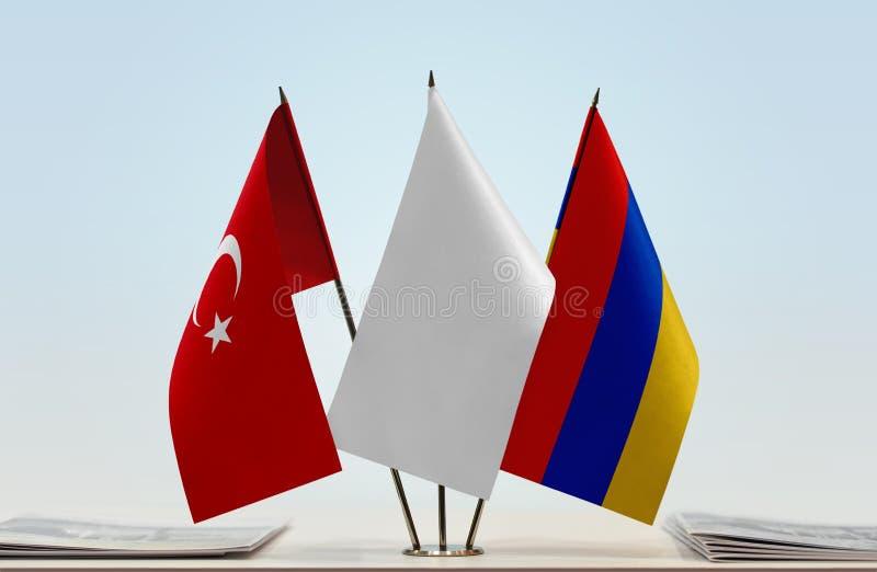 Bandeiras de Turquia e de Armênia imagens de stock