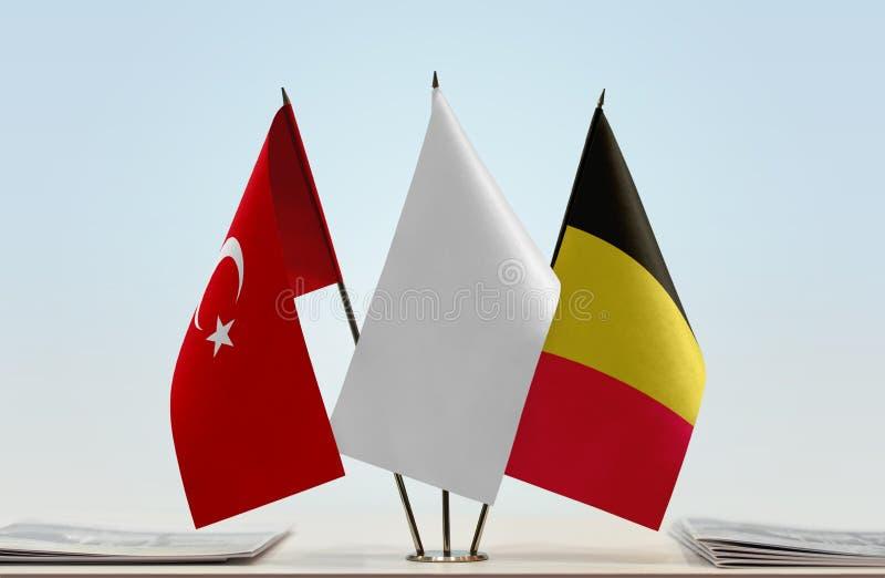 Bandeiras de Turquia e de Bélgica imagem de stock royalty free