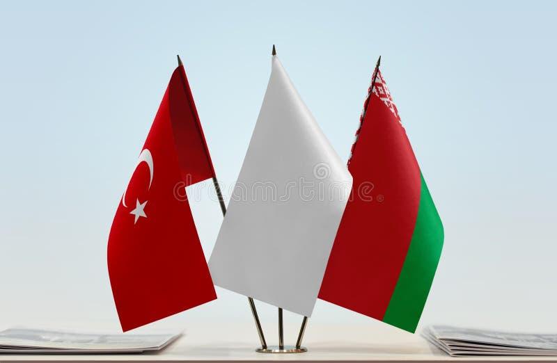 Bandeiras de Turquia e de Bielorrússia foto de stock