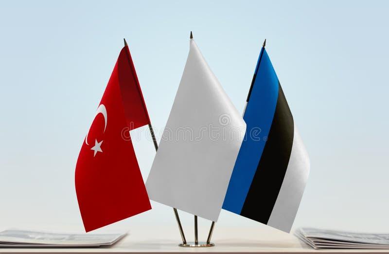 Bandeiras de Turquia e de Estônia imagens de stock royalty free