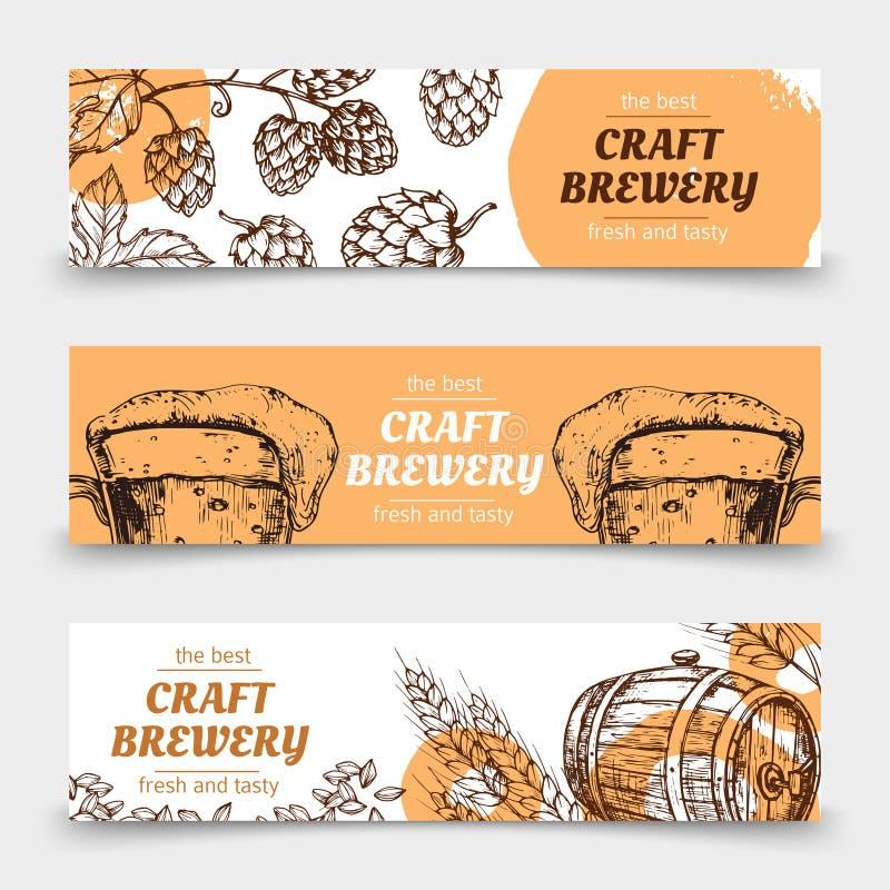 Bandeiras do vetor do vintage da cervejaria do esboço da garatuja com cerveja e lúpulos ilustração do vetor