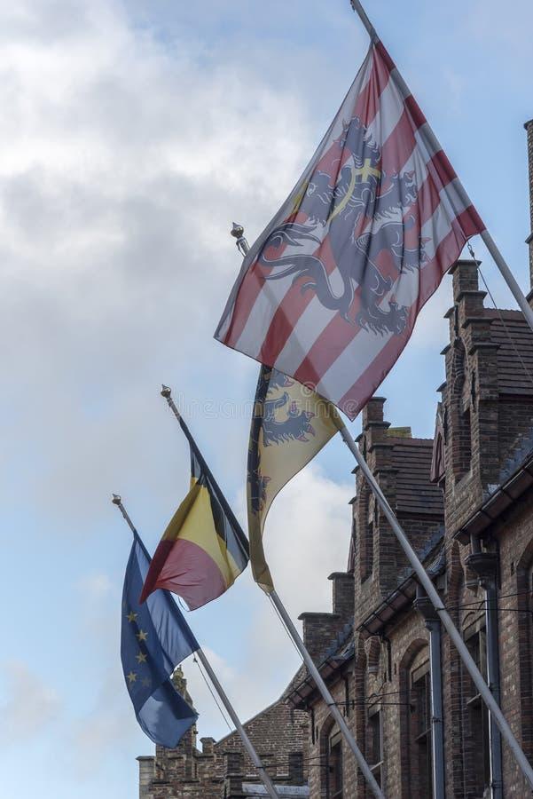 Bandeiras em Bruges fotografia de stock royalty free