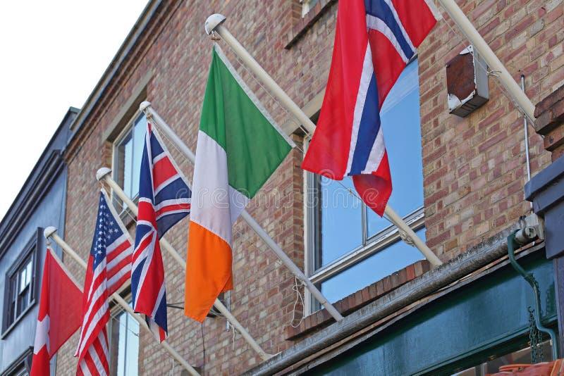 Bandeiras internacionais imagem de stock