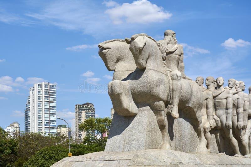 Bandeiras monument i Sao Paulo, Brasilien arkivbild
