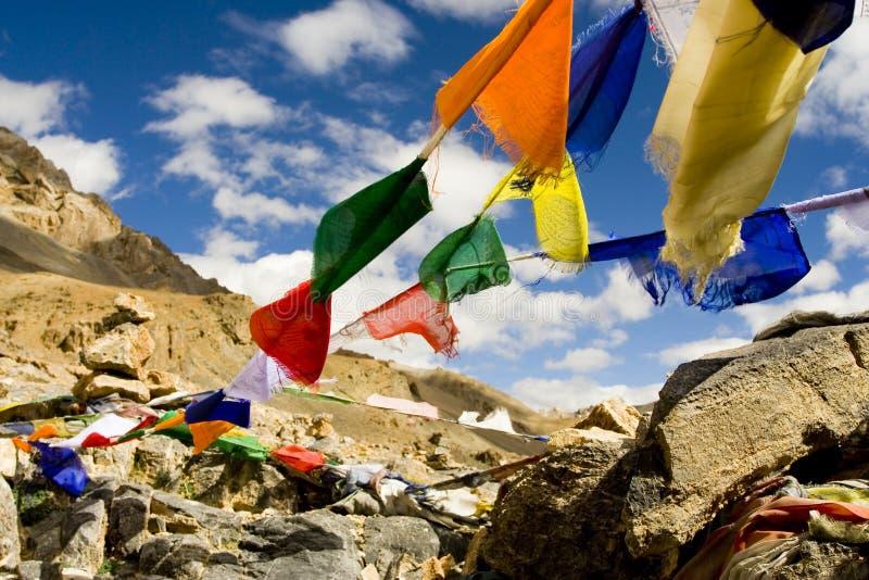 Bandeiras tibetanas da oração fotografia de stock