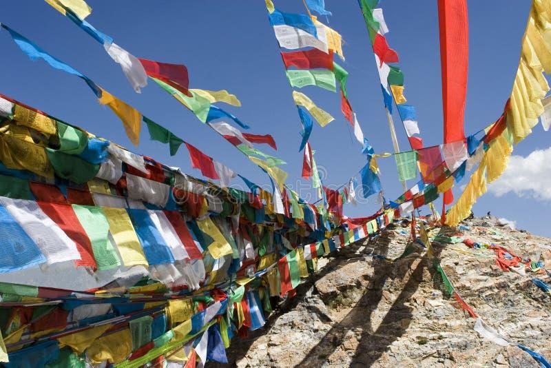 Bandeiras tibetanas da oração em Lhasa fotos de stock