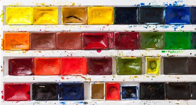 Bandeja colorida de la pintura de la acuarela foto de archivo libre de regalías