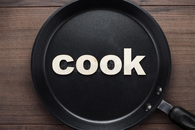 Bandeja com cozinheiro da palavra foto de stock royalty free