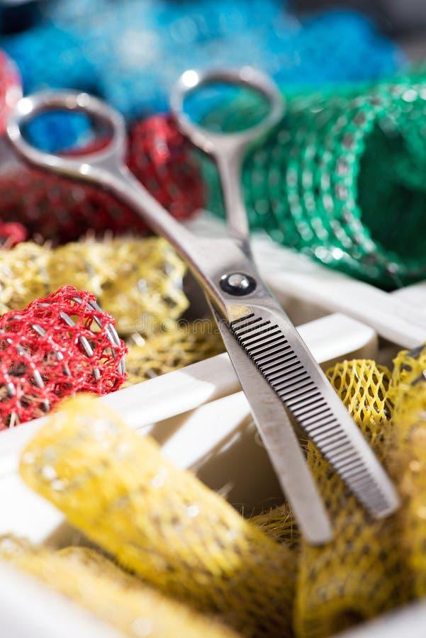 Bandeja de fuentes y de herramientas de los peluqueros imagen de archivo libre de regalías