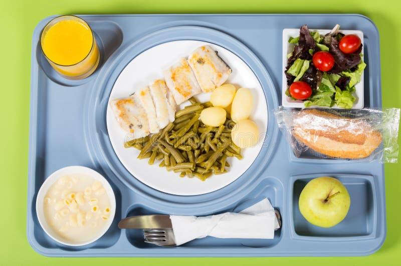 Bandeja de la comida de un hospital imagenes de archivo