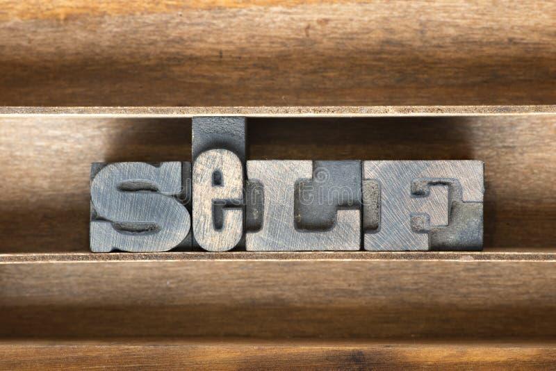 Bandeja de madera del uno mismo imágenes de archivo libres de regalías