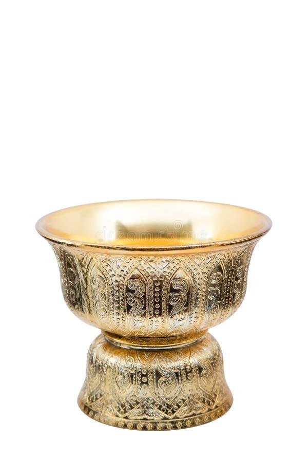 Bandeja de oro tailandesa con el pedestal aislado en el fondo blanco fotografía de archivo libre de regalías