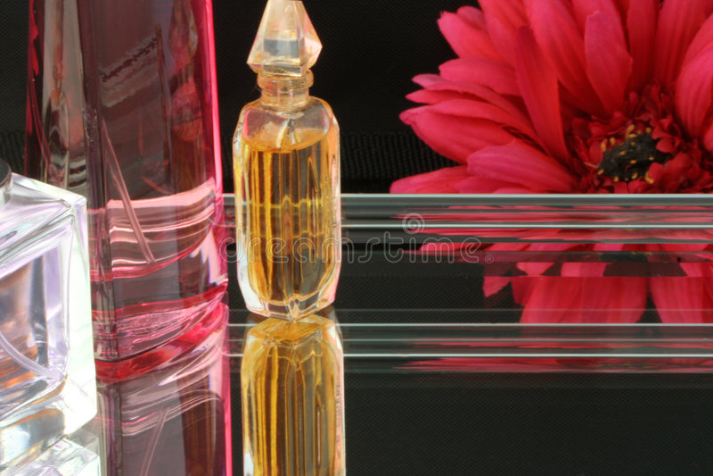 Bandeja del perfume imagen de archivo libre de regalías
