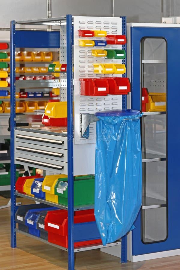 Bandejas e armazenamento de escaninhos imagens de stock