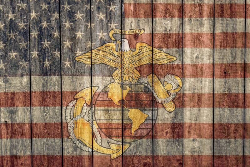 Bandera americana del vintage e insignias del Cuerpo del Marines imagenes de archivo