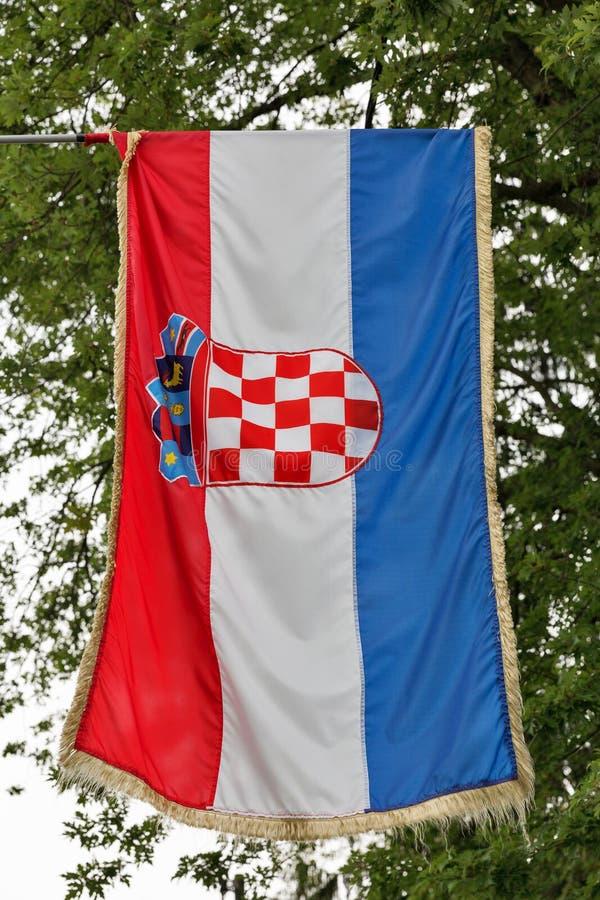 Bandera croata al aire libre imagen de archivo