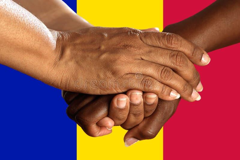 Bandera de Andora, integraci?n de un grupo multicultural de gente joven imágenes de archivo libres de regalías