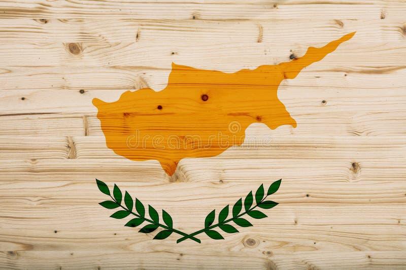 Bandera de Chipre cubierta en fondo de madera ilustración 3D libre illustration