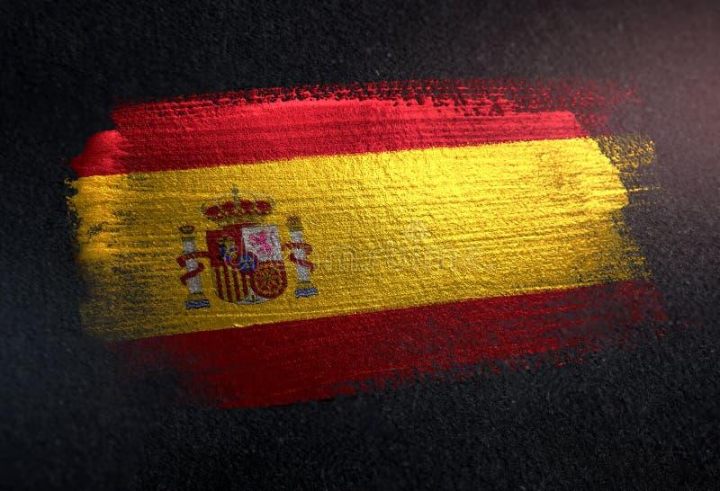Bandera de España hecha de la pintura metálica del cepillo en la pared de la oscuridad del Grunge imágenes de archivo libres de regalías
