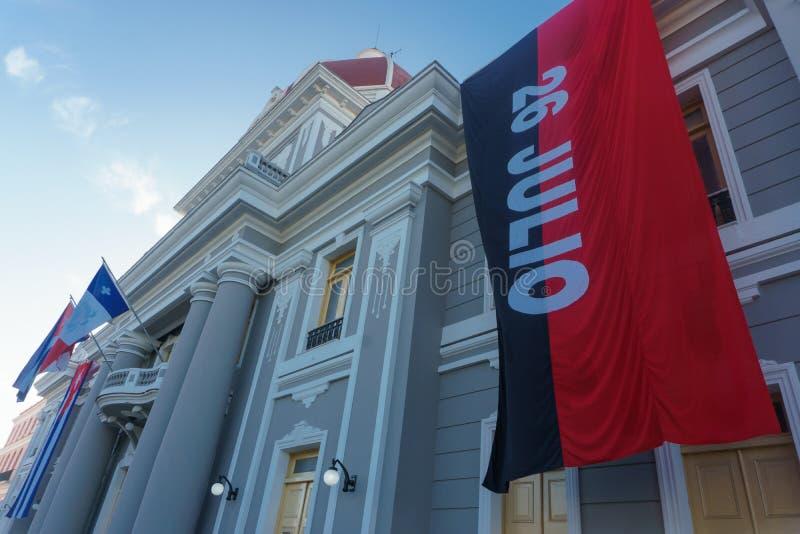 bandera de 26 de Julio, bandera del Partido Comunista de Cuba fotografía de archivo