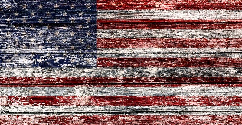 Bandera de los E.E.U.U. en el viejo fondo de madera, D?a de la Independencia feliz fotografía de archivo