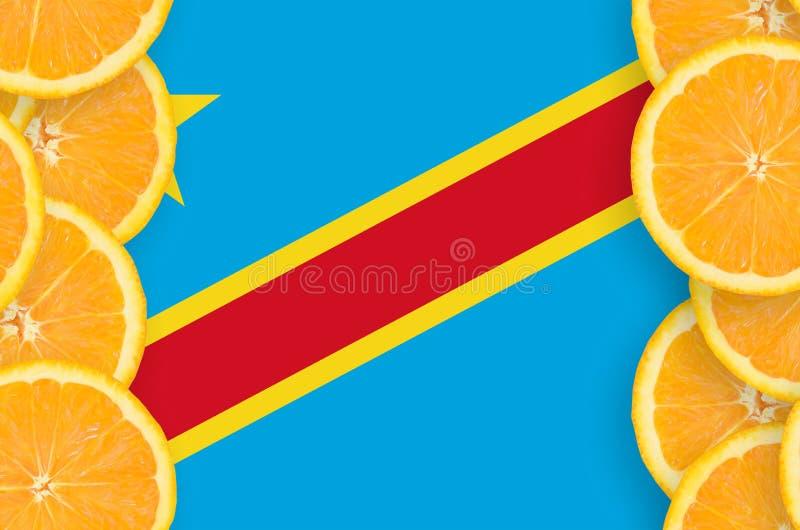 Bandera de República Democrática del Congo en marco vertical de las rebanadas de los agrios imagenes de archivo