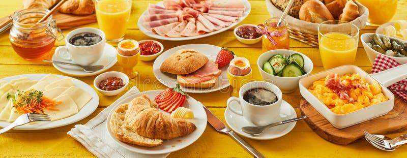 Bandera del panorama del desayuno de Pascua foto de archivo
