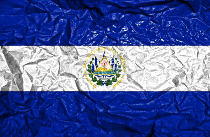 Bandera del vintage de El Salvador en viejo fondo de papel arrugado fotos de archivo libres de regalías