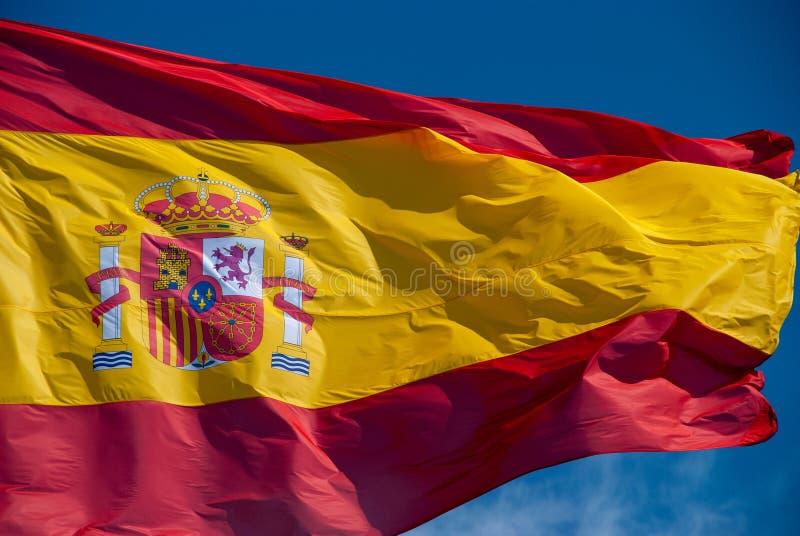 Bandera española del mismo tamaño que agita en viento fotos de archivo libres de regalías