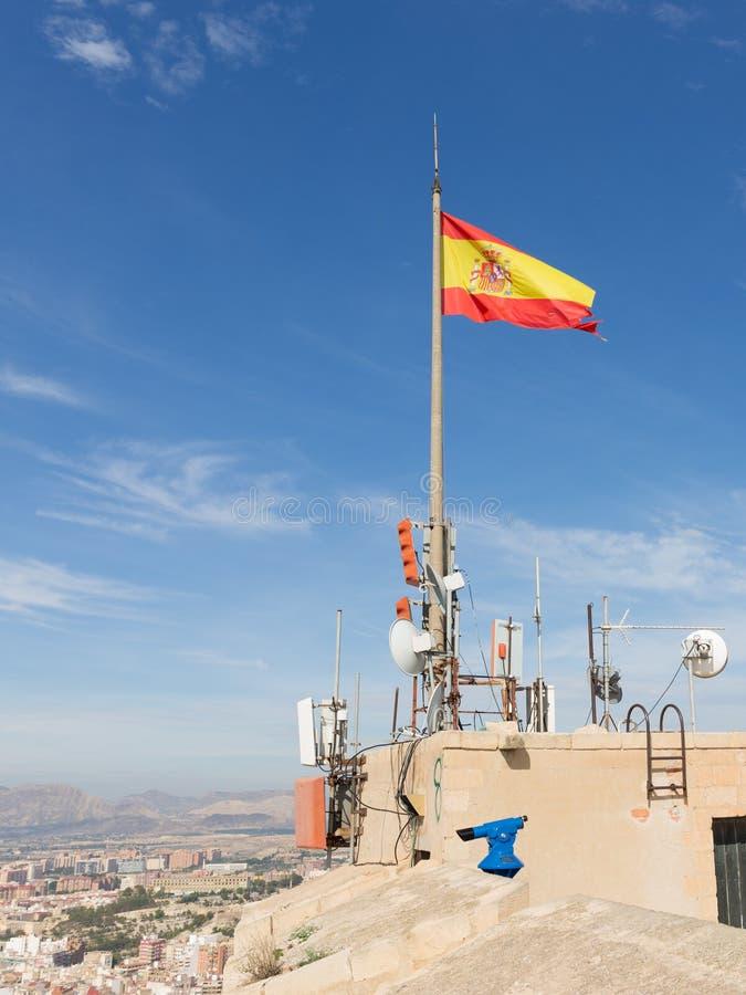 Bandera española en el castillo de Santa Barbara imagen de archivo libre de regalías