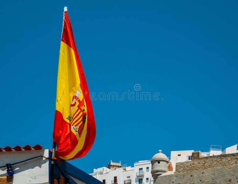 Bandera española en Peniscola, Castellon, España fotos de archivo