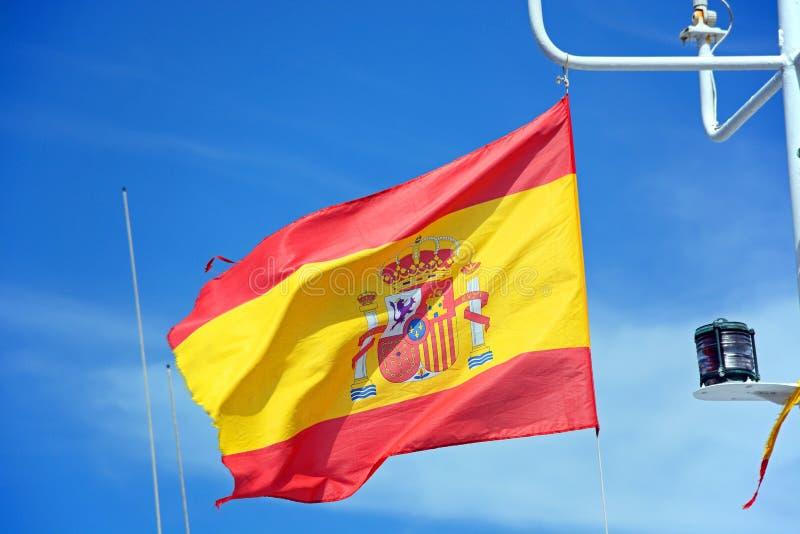 Bandera española en un barco, Ayamonte, España fotografía de archivo libre de regalías