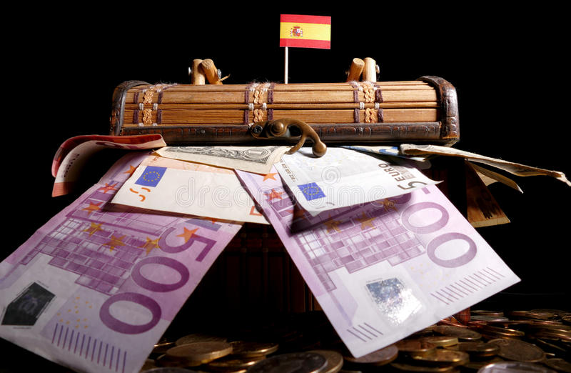 Bandera española encima del cajón imagen de archivo libre de regalías
